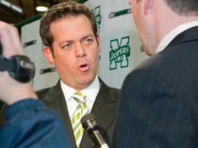 Manhattan's Steve Masiello Hosts 'Coach's Corner' Blog