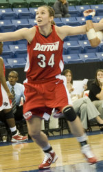 Dayton's Raterman signs to play overseas