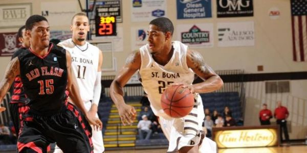 Seniors carry St. Bonaventure past Niagara, 80-75