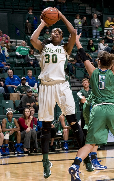@charlottewbb use big second half to defeat LaSalle, 73-56