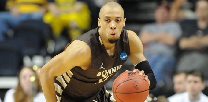 Win & In: @BonniesMBB heads to Dayton for final road test