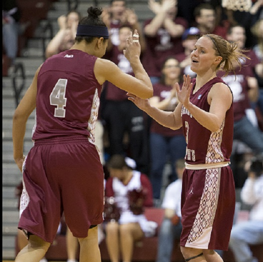 St. Joseph's women's basketball upsets #11 Dayton to advance to Brooklyn