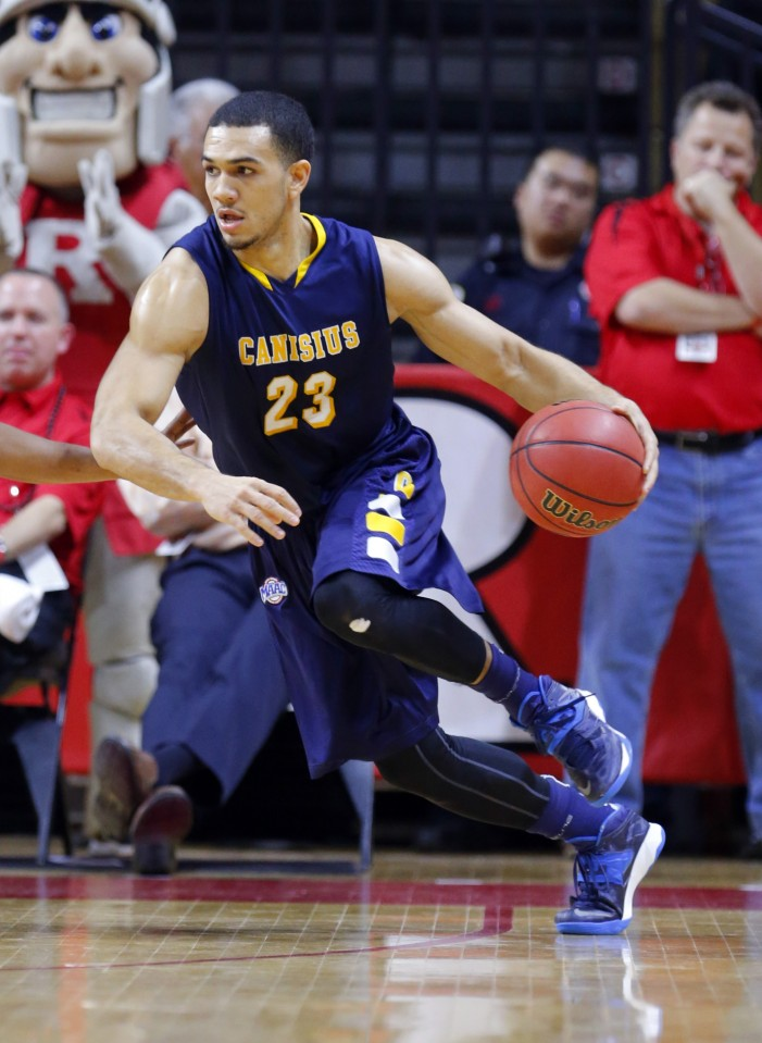 Perez thrives in double duty for Canisius