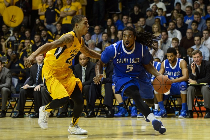 Jett Takes Over, Powers Billikens to Win at La Salle