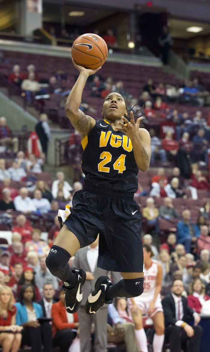 VCU hangs on to defeat Spiders