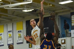Valenti led Canisius with 14. (Photo by Johnathan Snyder/ WNYBig4talk.com)