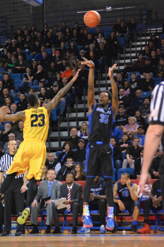 Ford, UB spank Kent State