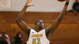Monroe leaves no doubt in victory over Mercyhurst