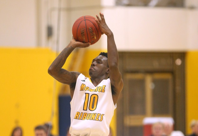 Jackson 3-pointer carries Tribunes to road victory