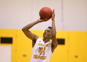 Romaine Thomas scored 10 first-half points to pace MCC. (Photo courtesy of Monroe CC Athletics)
