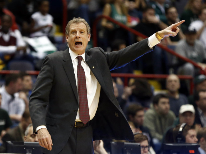 Iona announces contract extension for Tim Cluess