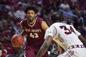 DeAndre Bembry scored 21 points to lead five players in double figures as fourth-seeded Saint Joseph's came back from 16 points down to defeat fifth-seeded George Washington. (Photo: Derik Hamilton-USA TODAY Sports)
