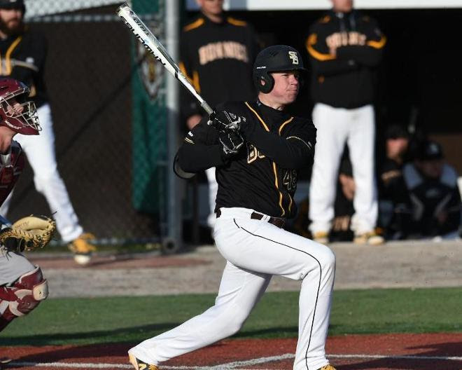 Early offense leads Bonnies to 6-3 win over Flyers