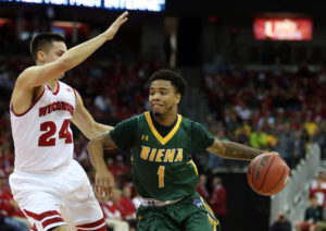 Marquis Wright (1) shot 9-18 from the field and 4-8 from distance. (Photo: Mary Langenfeld-USA TODAY Sports)
