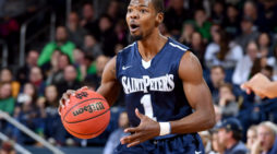 Saint Peter's rolls Marist, 71-46 en route to third straight blowout victory