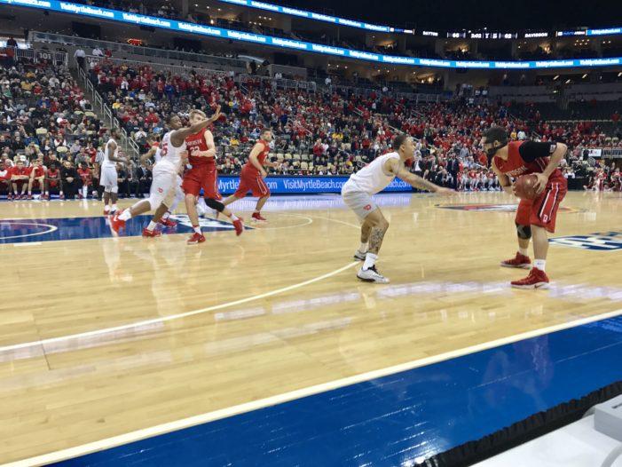 Gibbs, Davidson knock off Dayton in Atlantic 10 quarter-finals