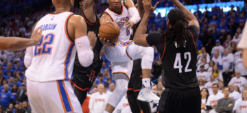Adams tips in victory for Thunder
