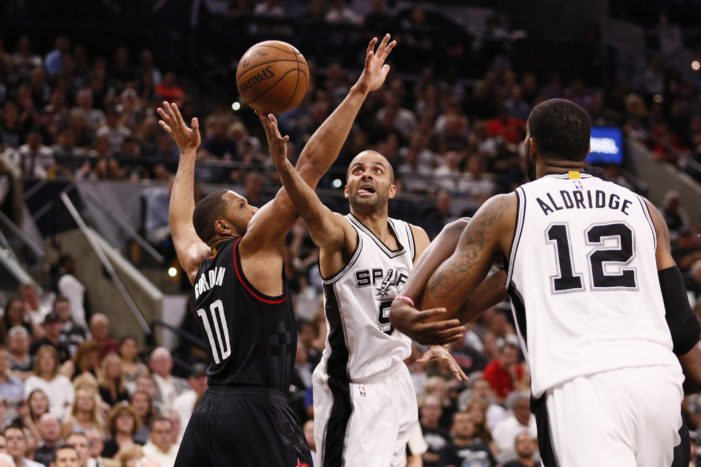 NBA Playoffs: Cavs go up 2-0; Spurs bounce back