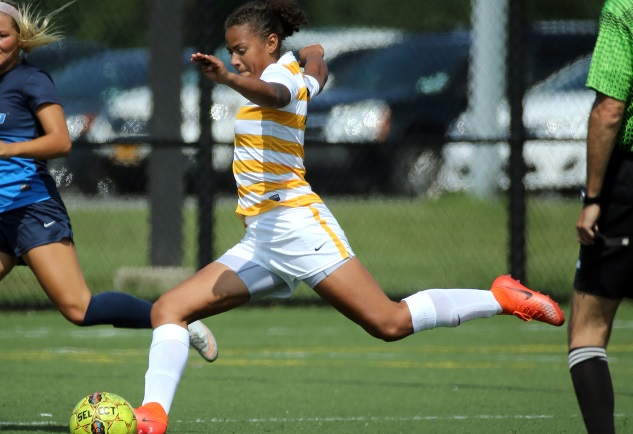 Tribunes open nationals with rout of Moraine Valley