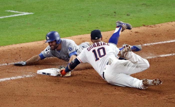 Astros grab series lead