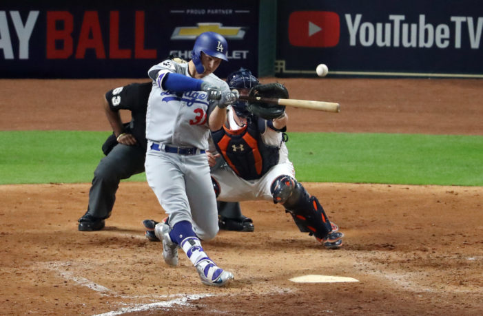 Dodgers tie series with late rally