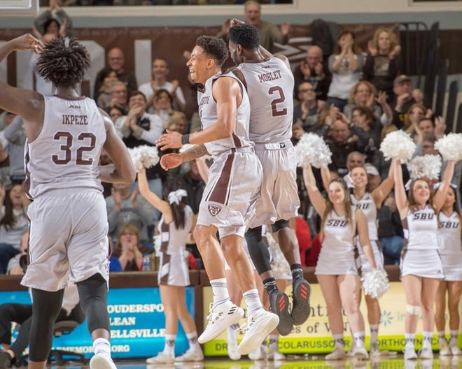 Mobley, Adams lead Bonnies by La Salle for seventh straight win