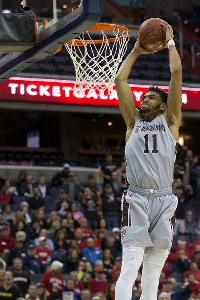 Mobley's record-setting game sends Bonnies to A10 semifinals