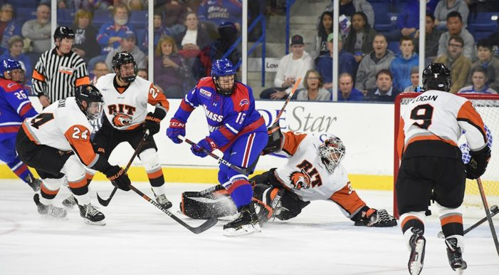 RIT men's hockey drops 2018-19 season opener to UMass Lowell, 2-1