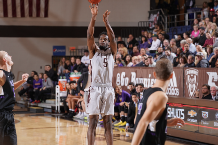 Young Bonnies shine in straightforward exhibition