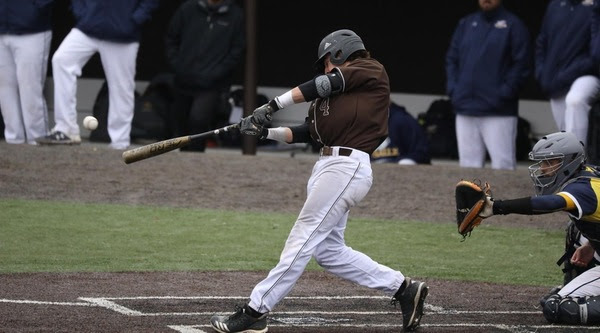 Bonnies' bats roar in 18-6 victory at Penn State