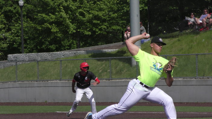 ICBL Tuesday: Montanez slam highlights Lake Monsters rally; Faynor paces Wings comeback