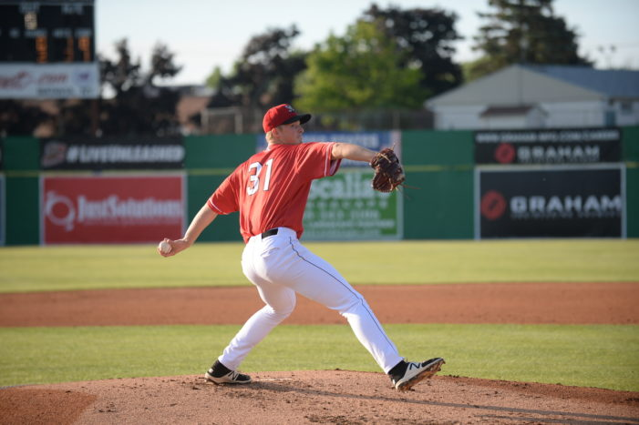 Batavia Muckdogs hold three-game lead in first place, host Auburn Thursday