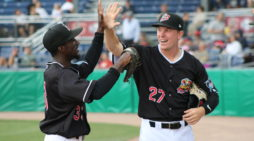 Batavia Muckdogs fall to Lowell, 5-2 but take series and remain in first place