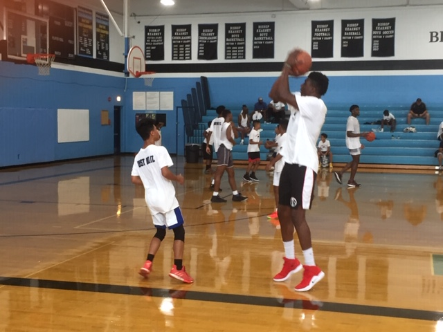 Bryant gives back to Rochester with basketball camp