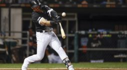 Danny Mendick hits safely for second-straight night for Chicago White Sox