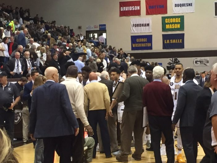 Bonnies celebrate Centennial by crushing Hofstra
