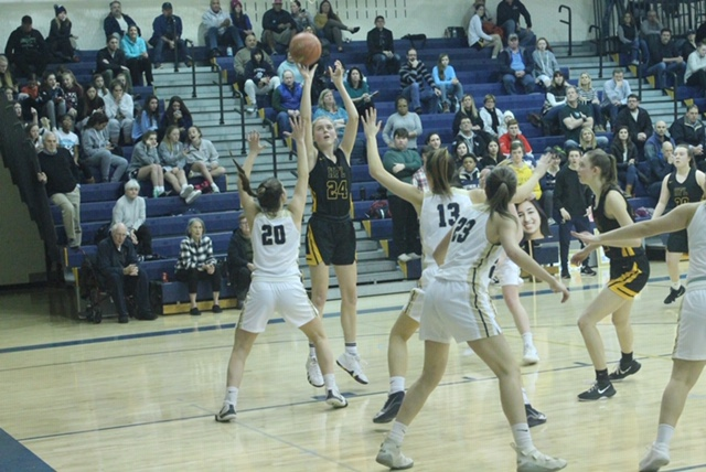 HF-L sophomore Kamm one of the keys to Cougars division crown