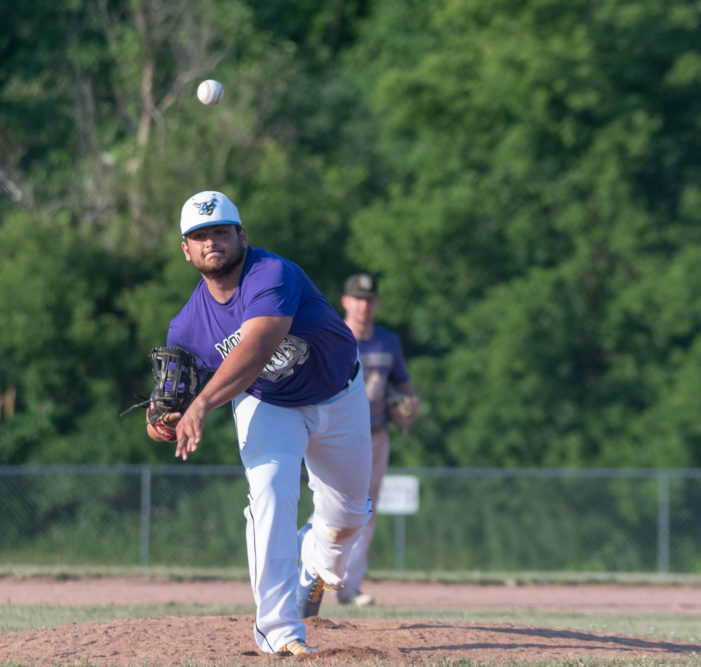 ICBL Monday: Specht and Monarchs get back to winning ways; Consaul fans 12 in DP Orange victory