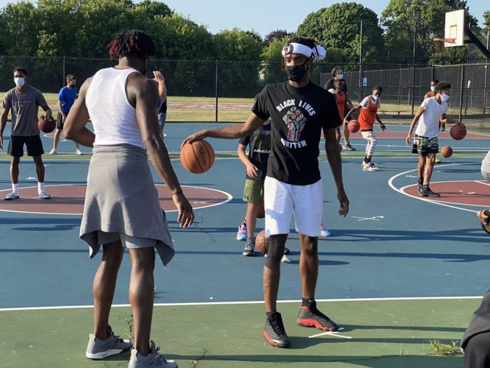 "Rose and Stewart lead ""Don't Shut Up and Dribble"" event"