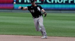 Dancing for Dubs: Mendick enjoying ride with White Sox