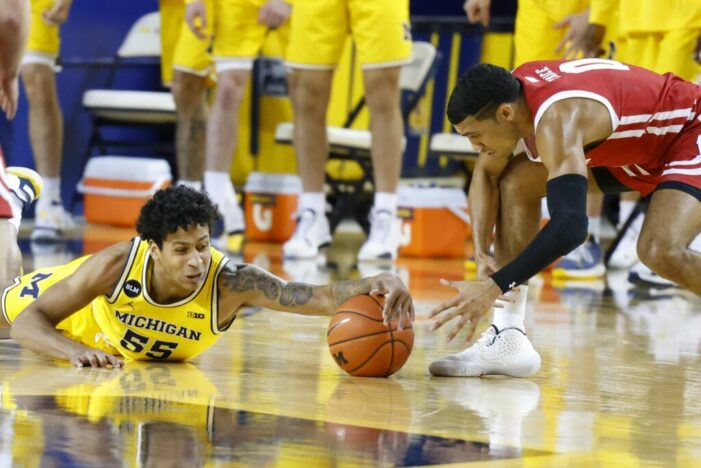 Top 25 Wrap: Michigan sets NCAA record in blowout win; Cade Cunningham and Oklahoma State pull off the upset