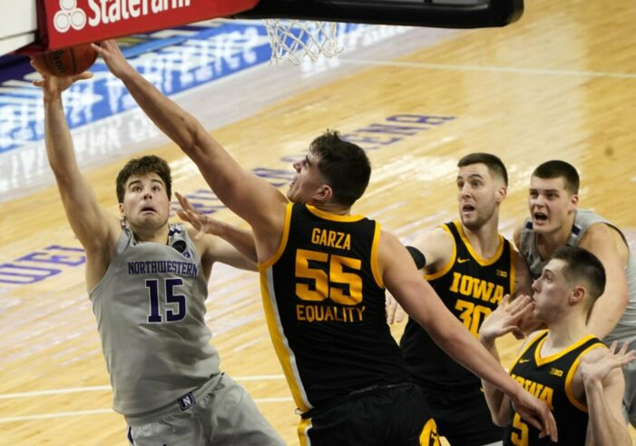 Top 25 Wrap: Garza paces Iowa to fifth straight win; Houston breezes to fourth consecutive victory