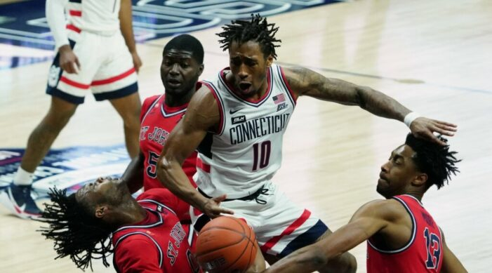 Top 25 Wrap: Butler's scoring barrage keeps Baylor perfect; St. John's uses strong second-half to down UConn