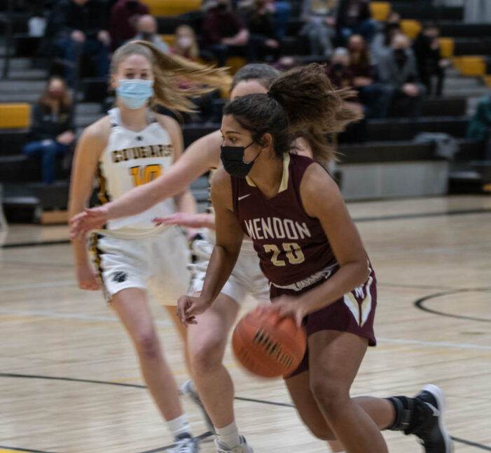 Green paces dominant Mendon GBB victory