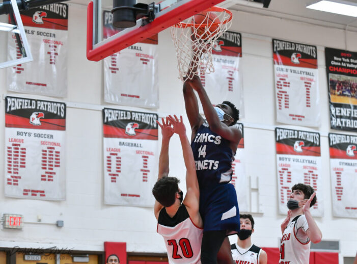 Luxury Vacation Rentals Wednesday Wrap: Blocker, Pickett and McCorker power East girls; Edison wins with clutch free throws