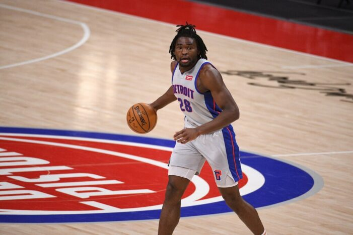 Stewart registers double-double in Pistons win