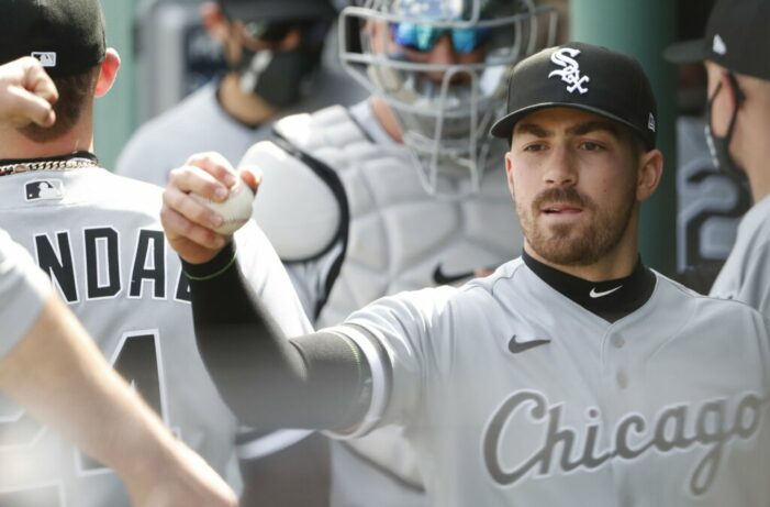 Mendick throws scoreless inning of relief for White Sox