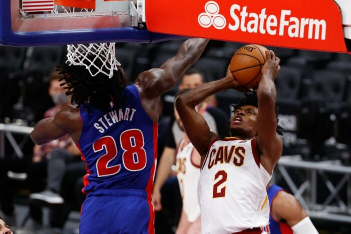 Stewart posts third straight double-double in Pistons win