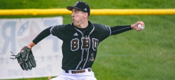 Moffat's complete game gem leads Bonnies to doubleheader split at La Salle