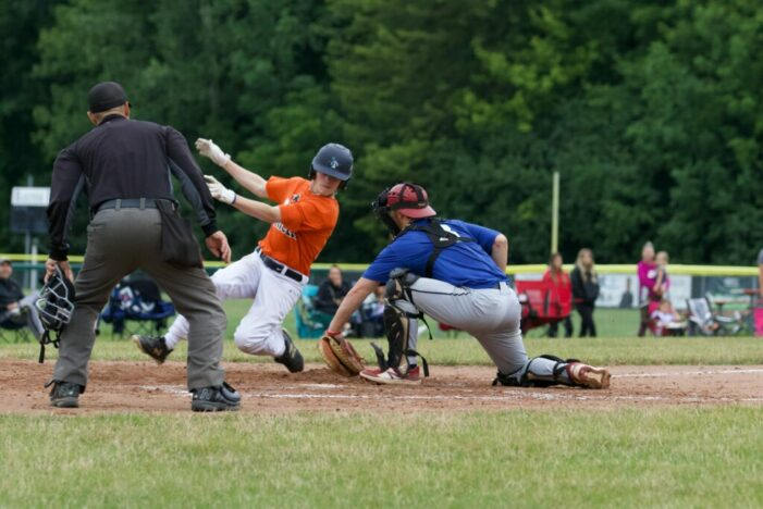 Friday ICBL Wrap: Blue Jays inch closer to first-place Orioles